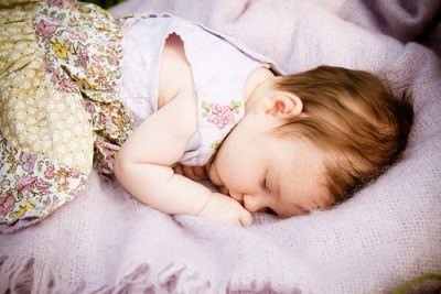 baby girld asleep photo by lumiere photography loughborough