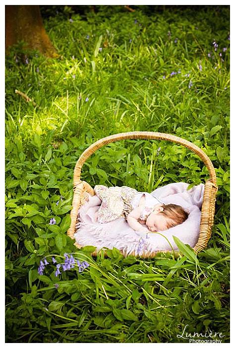 baby photography outdoors
