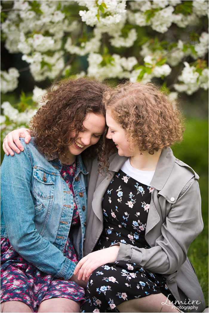 fun and loving sisters photoshoot in loughborough
