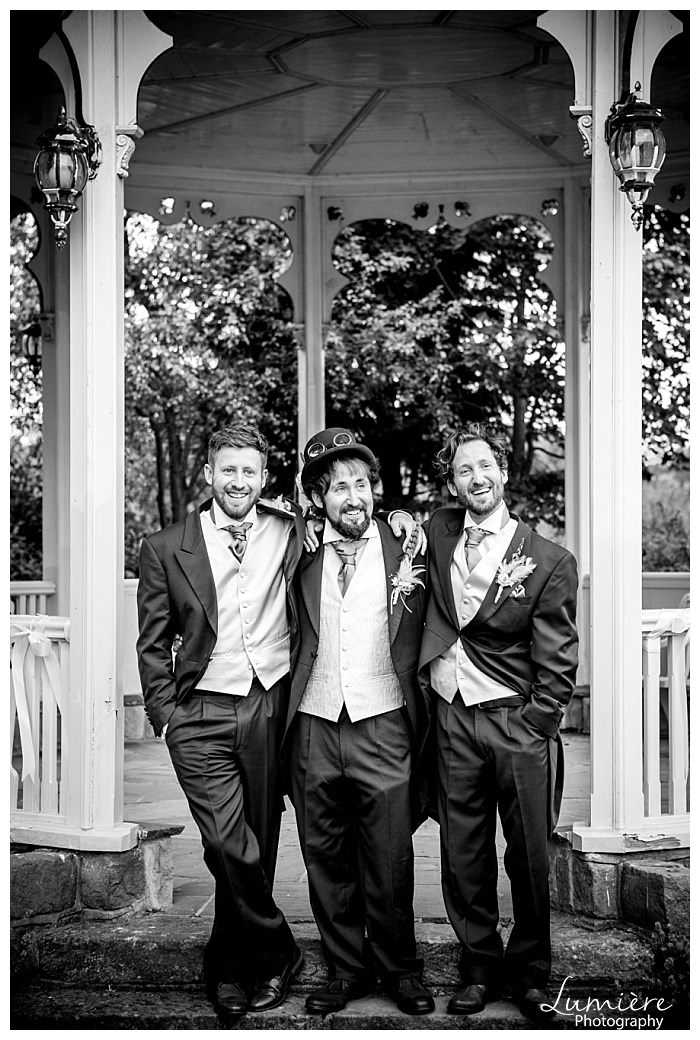 derbyshire-wedding-photographer groomsmen