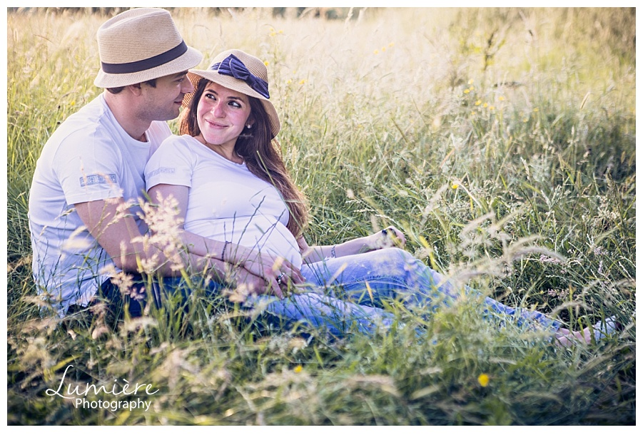 Outdoors maternity photoshoot near Leicester