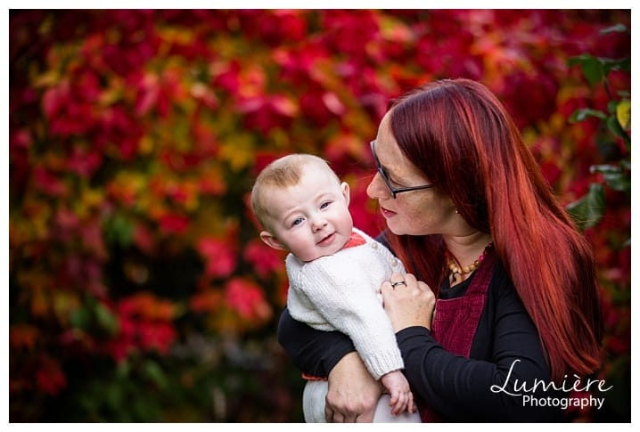 mum and baby in autumn mini-shoot in Loughborough